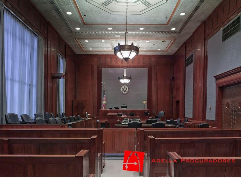 Procuradores y abogados no tienen trabajo debido al parón