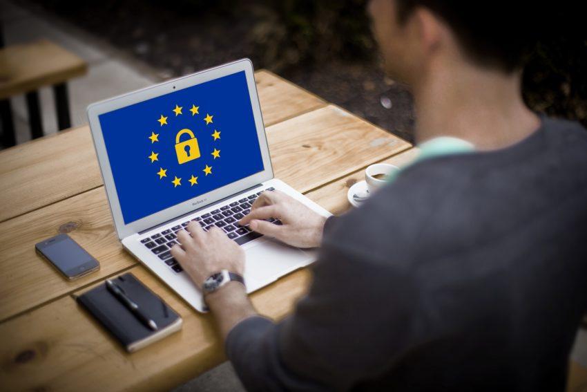 Las sanciones previstas por incumplimiento del nuevo reglamento de protección de datos varían entre los 600 y los 600000 euros.