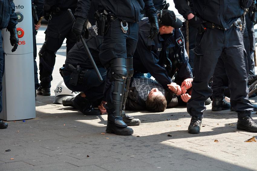 La extralimitación policia, uno de las posibles consecuencias de la ley mordaza